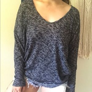GREY KNIT VNECK LONG SLEEVE PULLOVER